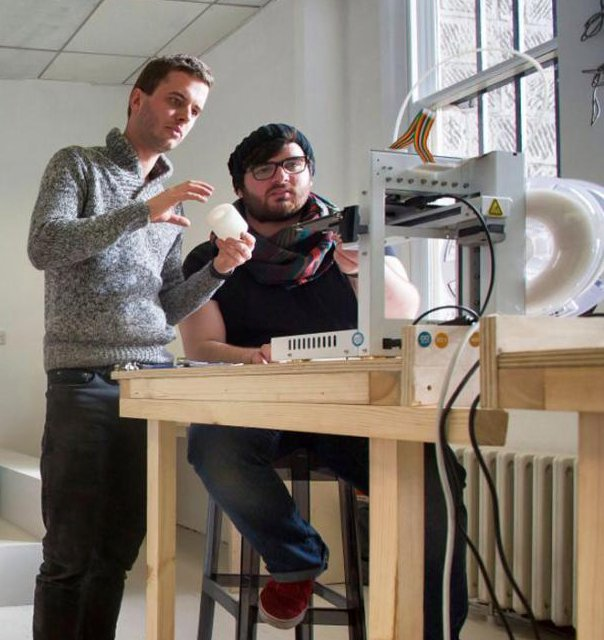 http://www.standard.co.uk/news/education/3d-printers-and-laser-cutters-it-s-the-classroom-of-the-future-9092747.html