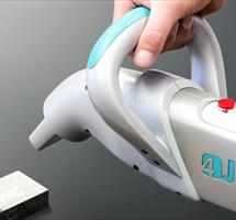 fully flexible hand-held cleaning using lasers